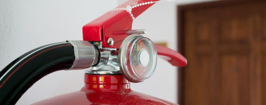 Fire extinguisher training via e-learning suitable for office staff